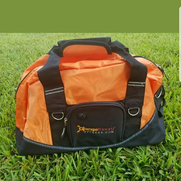 02f346419435 Orange theory fitness gym bag brand new! M 5af5f7c76bf5a602affccad0